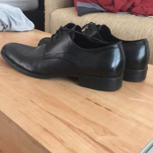Kenneth Cole straight line dress shoes